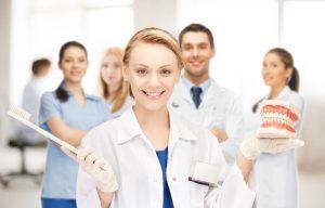 Schlechte Mundhygiene: Ein Risiko für schwere Covid-19 Verläufe